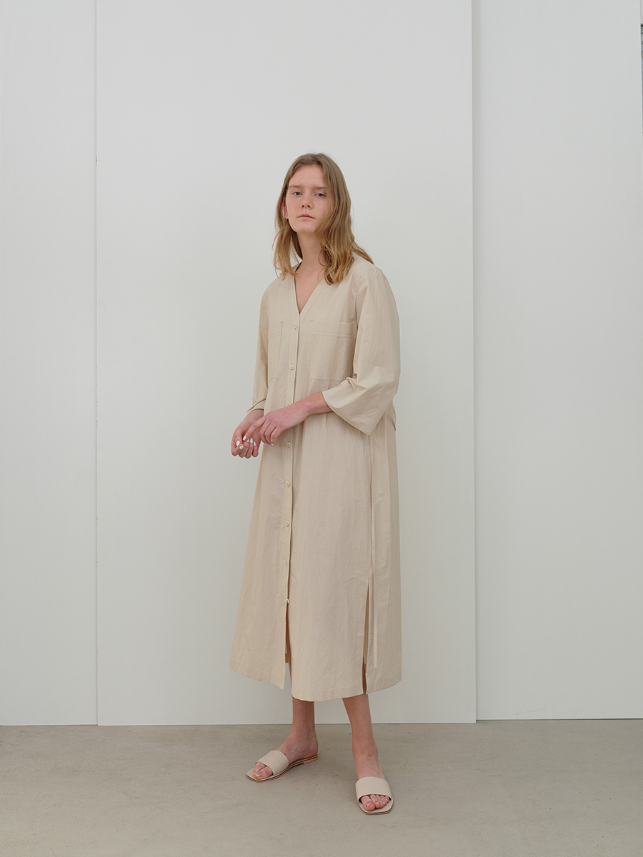 (REFURB) v neck cotton dress (light beige)