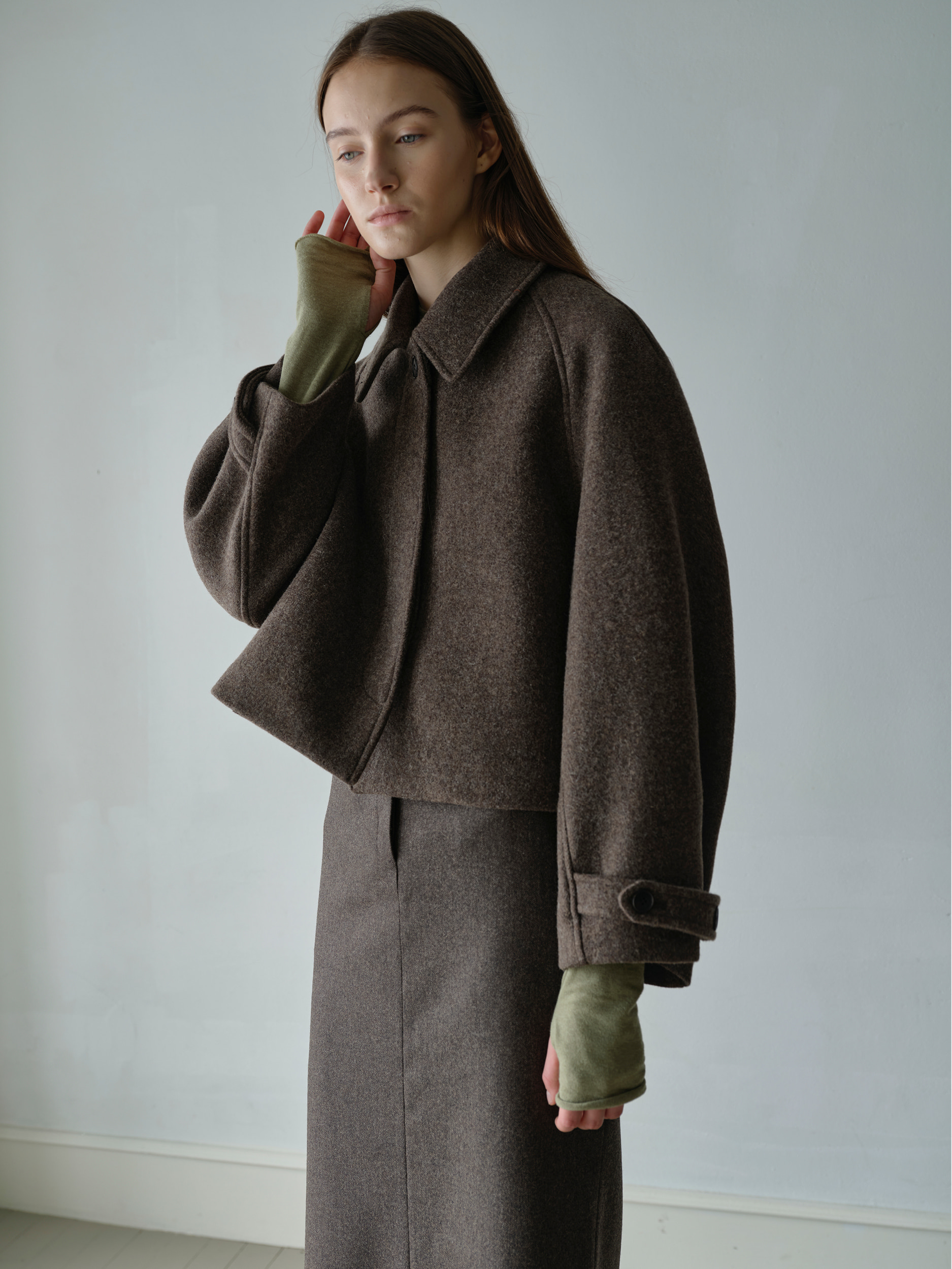 cropped balmacaan coat  (brown)