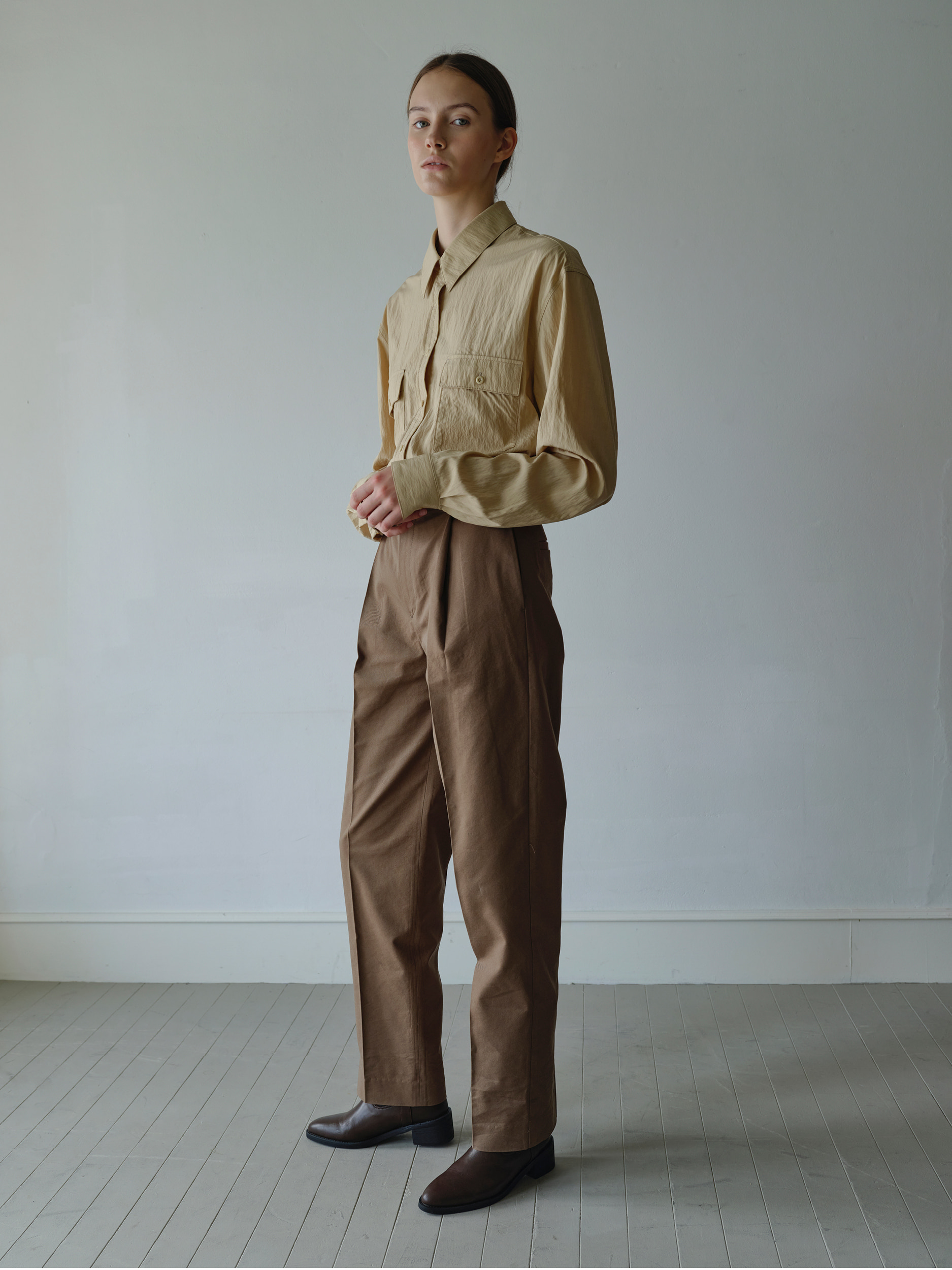 pintuck trousers  (brown)